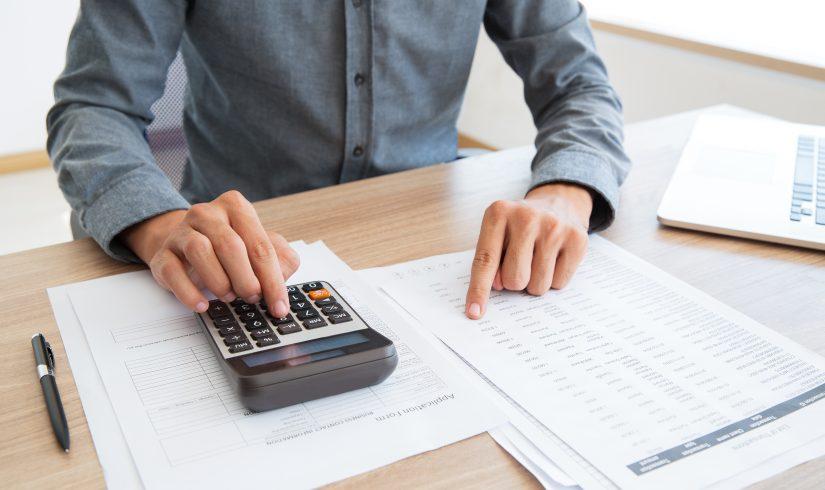 contabilidade-calculadora-financas